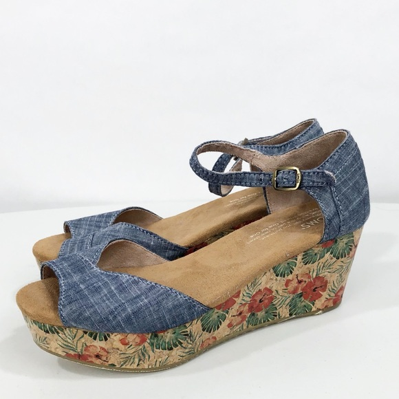 018b8a06c52 Toms Chambray Floral Cork Denim Wedge Sandals 5.5